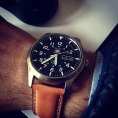 custom seiko 5 sports Fancy Watches, Luxury Watches, Cool Watches, Watches For Men, Wrist Watches, Seiko 5 Military, Seiko 5 Sports, Bulova Accutron, Seiko Diver