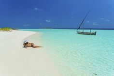 Why wait? Let's #aaaVeee ?  #maldives #paradise #Nature #travel #beach #sea #sexy #hot #sunny #sunshine #sun #wat https://t.co/47p4g5Gb2e (via Twitter http://twitter.com/maldivesinpics/status/730823515977453574) - http://ift.tt/1HQJd81