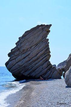 Greece will inspire you ! Greek Sea, Greek Blue, Beautiful Islands, Beautiful World, Beautiful Places, Greece Islands, Santorini Greece, Famous Places, Greece Travel