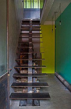 escalier métal by sandra cliche, via Flickr
