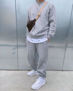 Style Streetwear, Streetwear Fashion, Jugend Mode Outfits, Sneakers Mode, Joggers Outfit, Stylish Mens Outfits, Grey Outfit, Mens Clothing Styles, Street Wear