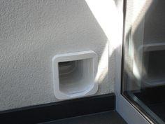 SureFlap Mikrochip Katzenklappe in Hauswand