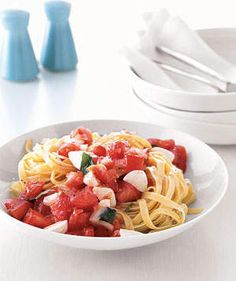 Pasta With Marinated Tomatoes and Mozzarella | Now's the time to relish plump, just-off-the-vine tomatoes.