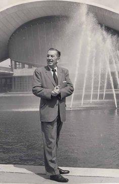 *m. Walt Disney 1958 VINTAGE
