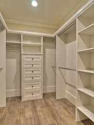 Afbeeldingsresultaat voor small walk in closet