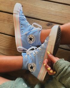 All star azul converse Mode Converse, Converse Sneaker, Sneaker Outfits, Converse Tumblr, Moda Sneakers, Sneakers Mode, Sneakers Fashion, Shoes Sneakers, Outfits With Vans