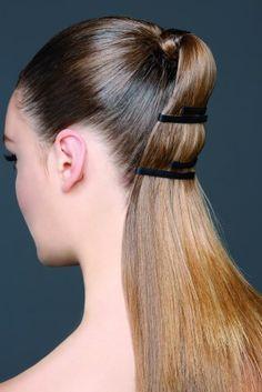 La néo queue de cheval Ponytail Bun, Sleek Ponytail, Hair Arrange, Slicked Back Hair, Sleek Hairstyles, Band Aid, Hair Band, Hair Inspiration, Bobby Pins