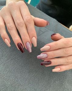 Prized by women to hide a mania or to add a touch of femininity, false nails can be dangerous if you use them incorrectly. Types of false nails Three types are mainly used. Mauve Nails, Aycrlic Nails, Uñas Kylie Jenner, Luxury Nails, Cute Acrylic Nails, Stylish Nails, Square Nails, Perfect Nails, Winter Nails