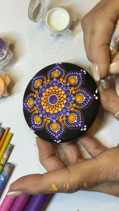 Mandala Art Lesson, Mandala Artwork, Mandala Drawing, Mandala Painting, Stone Art Painting, Dot Art Painting, Pebble Painting, Dot Painting Tools, Mandala Painted Rocks