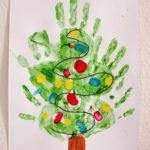 Kids Crafts, Preschool Christmas Crafts, Christmas Art Projects, Daycare Crafts, Classroom Crafts, Toddler Crafts, Christmas Diy, Christmas Trees, Christmas Tree Hand Print