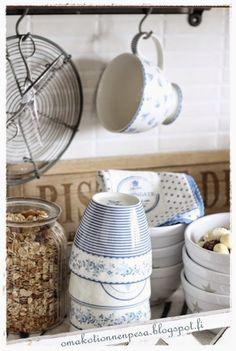 Greengate lattemukit, Ib Laursen tähtikulho, Greengate koriliina, maalaisromanttinen keittiö, keittiön sisustus