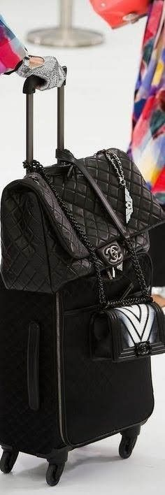 Chanel at Paris Fashion Week Spring 2016 - Livingly Mk Handbags, Chanel Handbags, Fashion Handbags, Fashion Bags, Fashion Accessories, Chanel Bags, Valentino Rockstud, How To Have Style, My Style