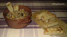 Il preparato per zuppa di lenticchie e cereali è un'idea regalo homemade, una ricetta in barattolo che si può personalizzare in base a chi la riceverà.