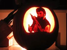 Some of the best and most creative pumpkin carving ideas ever. Funny,Scary,even sexy Jack-o-Lanterns Scary Pumpkin Designs, Scary Pumpkin Carving Patterns, Scary Pumpkin Faces, Pumkin Carving, Amazing Pumpkin Carving, Funny Pumpkins, Halloween Pumpkins, Pumpkin Pictures, Halloween Scene