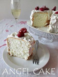 Angel cake : fluffy light and white as a snowflake! Angel Cake, Torta Angel, Angel Food Cake, Cake Cookies, Cupcake Cakes, Cupcakes, Sweet Recipes, Cake Recipes, Dessert Recipes