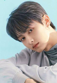Seventeen Junhui, Wen Junhui, E Magazine, Pledis Entertainment, South Korean Boy Band, Boy Bands, Bias Kpop, Boys, Backgrounds