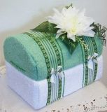 Truhlička ze dvou ručníků zelená-bílá