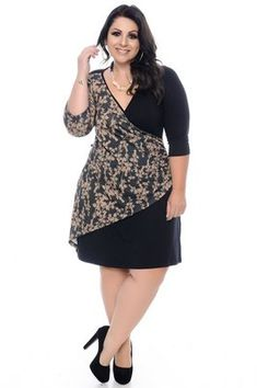 Stylish Plus-Size Fashion Ideas – Designer Fashion Tips Plus Size Wedding Dresses With Sleeves, Plus Size Dresses, Plus Size Outfits, Apple Shape Outfits, Dresses For Apple Shape, Plus Size Womens Clothing, Plus Size Fashion, Size Clothing, Plus Size Cardigans