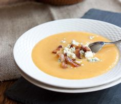 Pear Soup with Pancetta and Blue Cheese. How perfect is this soup for a chilly fall day? Low Carb Recipes, Soup Recipes, Fall Recipes, Blue Cheese Recipes, Food Policy, Food 52, Soup And Salad, Soups And Stews, Delish
