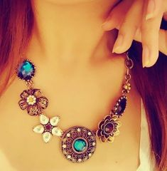 Women Crystal Flower Pendant Choker Chain Bib Statement Necklace Fashion Jewelry…