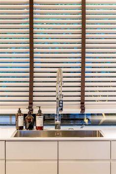 Bildlista Blinds, Curtains, Home Decor, Decoration Home, Room Decor, Shades Blinds, Blind, Draping, Home Interior Design