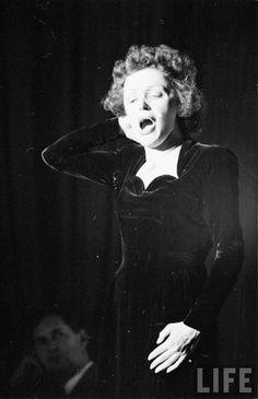 Edith Piaf - Non, je ne regrette rien, enough said