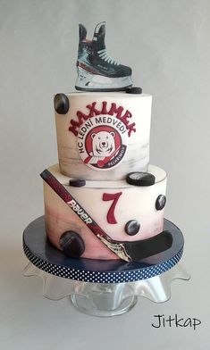 Hockey Birthday Cake, Hockey Birthday Parties, Hockey Party, Birthday Cupcakes, Diy Birthday, Hockey Cupcakes, Cakes For Boys, Cake Tutorial, Fondant Cakes