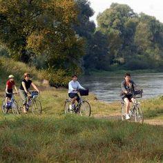 La Loire à vélo a encore fait de nouveaux adeptes. - La Loire à vélo a encore fait de nouveaux adeptes. - (Photo archives NR) Randonnée liberté à vélo d'Angers à Pornic en 6 jours proposée par Grand Angle : http://www.grandangle.fr/circuit/18310_la_loire_a_velo_d_angers_a_pornic