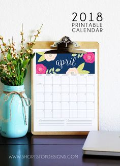 Looking for 2018 calendar printables? Here's a comprehensive roundup of the best free printable 2018 calendars available online! Print them for free! 2018 Printable Calendar, Today Calendar, Yearly Calendar, Printable Planner, Free Printables, 2019 Calendar, Printables Organizational, Bullet Journal Agenda, Diy Calendario