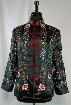 Vintage 70s  Hand Embroidered Floral Mandarin Jacket L