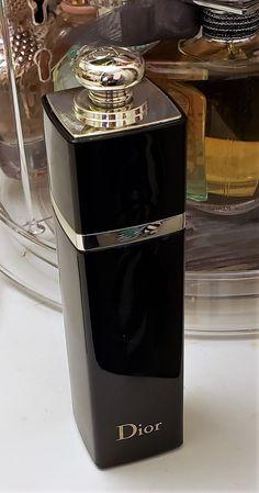 how to make perfume Perfume Scents, Fragrance Parfum, Perfume Bottles, Perfume Genius, Best Perfume, Perfume Million, Parfum Victoria's Secret, Skin Products, Eau De Toilette