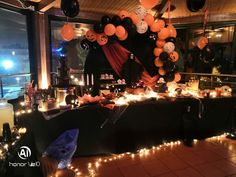 Candy Bar για παιδικό πάρτυ HALLOWEEN, από ΔΕΛΦΙΝΑΚΙΑ Mickey Mouse, Halloween, Disney Characters, Party, Parties, Baby Mouse, Spooky Halloween