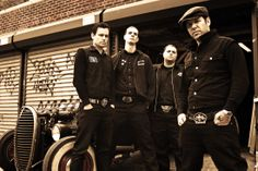 ROGER MIRET AND THE DISASTER | photo by ... | formed : 1999 in New York, NY (USA) | Punk Rock, Street Punk