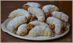 Svatomartinské rohlíčky Christmas Baking, Christmas Cookies, Roll Cookies, Pasta, Desert Recipes, Pavlova, Sushi, Food Porn, Food And Drink