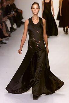 d8a84ff82791 Calvin Klein Collection Fall 2002 Ready-to-Wear Fashion Show - Carmen Kass