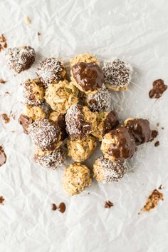 These no-bake 10 minute peanut energy bites are delicious, healthy and loaded with superfoods. Make them ahead and store them to eat all week.