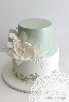 Bolo branco e verde