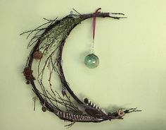 Twig Crafts, Moon Crafts, Wiccan Crafts, Nature Crafts, Craft Stick Crafts, Arts And Crafts, Witch Wreath, Twig Wreath, Twig Art