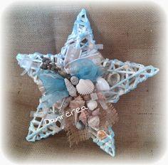 Newspaper Crafts, Under The Sea Party, Seashell Crafts, Shell Art, Driftwood Art, Wreath Crafts, Basket Weaving, Fabric Flowers, Sea Shells