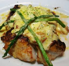 Blackened Grouper Oscar Style in was deliciousness to the power! 16 ounces of beautiful fresh blackened and topped with Crabmeat hollandaise and asparagus Grouper Recipes, Fish Recipes, Seafood Recipes, Recipies, Blackened Grouper Recipe, Steak And Lobster Dinner, Party Food Catering, Garlic Ginger Chicken