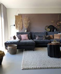 #binnenkijken #woonkamer #wooninspiratie #bankstel #fluweel Passion Deco, Boho Bedroom Decor, Corner Sofa, Interior Inspiration, Decoration, Sweet Home, New Homes, Living Room, Interior Design