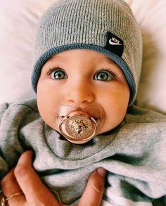 So Beautiful Baby! so sweet this eyes . Cute Baby Boy, Cute Little Baby, Baby Kind, Cute Baby Clothes, Little Babies, Baby Love, Cute Kids, Cute Babies, Sick Baby