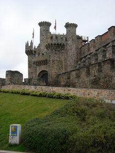 Ponferada Barcelona Cathedral, Palace, Building, Travel, Castles, Camino De Santiago, Viajes, Buildings, Palaces