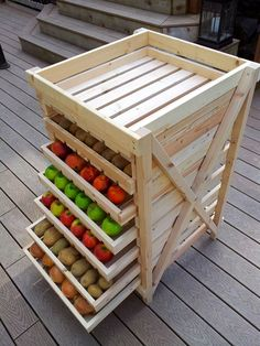 Food Storage Shelf (DIY home ideas: 25 creative ways to recycle wooden crates and pallets) Food Storage Shelves, Diy Storage, Diy Organization, Produce Storage, Fruit Storage, Storage Ideas, Kitchen Storage, Pallet Storage, Organizing