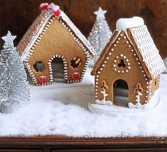 Mini gingerbread house w template and recipe