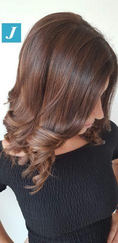 Very Natural Shades _ Degradé Joelle #cdj #degradejoelle #tagliopuntearia #degradé #igers #musthave #hair #hairstyle #haircolour #longhair #ootd #hairfashion #madeinitaly #wellastudionyc Plaits Hairstyles, Hairdos, Joelle, Haircut And Color, Brown Hair Colors, Gorgeous Hair, Dark Hair, Redheads, Hair Inspiration