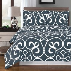 Modern Medallion Pattern 100 Percent Egyptian Cotton Dark Grey and White Bedding Duvet Comforter Cover and Shams Set for a modern bedroom decor.