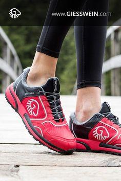 Wool Cross X - Merino Sportschuh Sneakers Fashion Outfits, Fashion Shoes, Fashion Wear, Sport Fashion, Sneakers Mode, Baskets, Walking, Womens Slippers, Fashion Pictures
