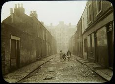 Faithfull place off Lower Tyrone Street Photo shows two girls and young child in middle of dark street. Dublin Street, Dublin City, Old Pictures, Old Photos, Irish Independence, Ireland Homes, Emerald Isle, Dublin Ireland, Street Photo