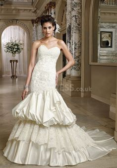 Romantic Sweetheart Satin Mermaid With Lace Chapel Train Bridal Gowns